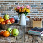 Por qué debería mantener sus flores frescas lejos del frutero