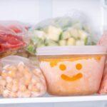 Las formas más rápidas de descongelar su congelador (y evitar que se acumulen en el futuro)