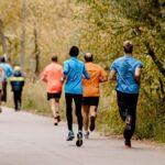 Cómo adelantar a alguien de la manera correcta cuando estás corriendo
