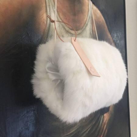 Hvid kanin muffe Det Lille Læderi