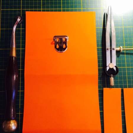 Sonja håndsyet orange kernelædertaske fra Det Lille Læderi 2