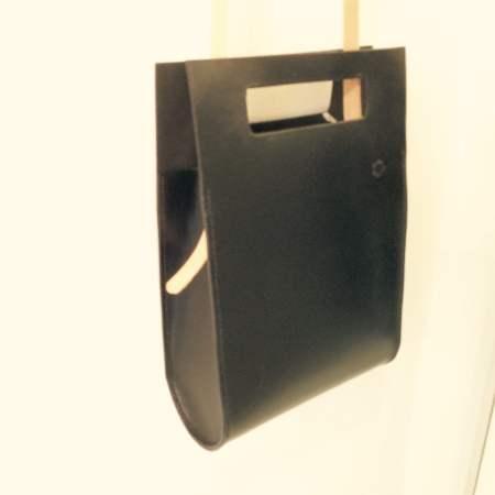 Thyra håndsyet sort kernelædertaske fra Det Lille Læderi 6