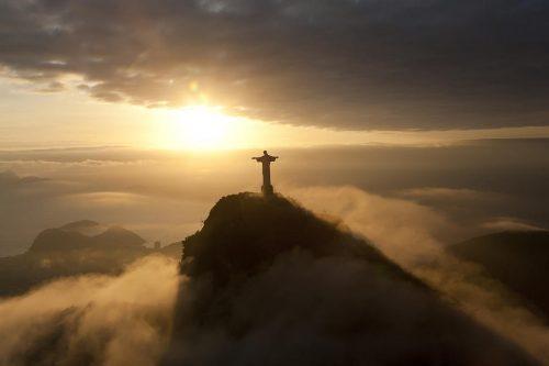 UNIŢI-VĂ CU PUTEREA LUI DUMNEZEU