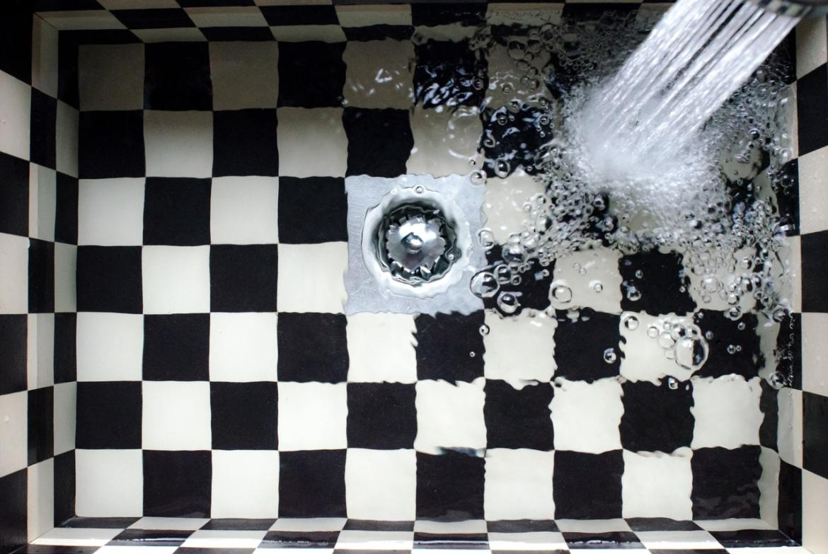 water filling a sink
