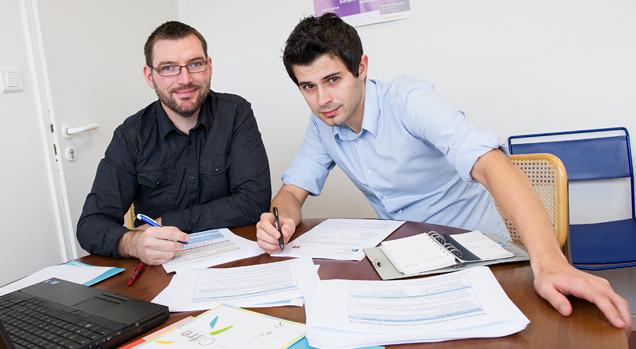 Les deux « pilotes » du projet du collège doctoral franco-allemand, Ghislain Iste, assistant du directeur à la recherche, et Tommy Eisenhardt, responsable de la faculté mécanique et mécatronique à l'université des sciences appliquées de Karlsruhe, en séance de travail les 14 et 15 janvier à l'UTBM