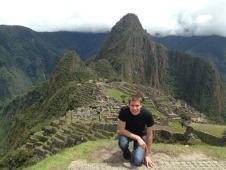 Durant son stage effectué au Pérou, Vincent Houdeville a été missionné en tant qu'assistant ingénieur dans la forêt amazonienne. Une expérience sur un chantier pétrolier en conditions assez extrêmes puisqu'il effectuait 77 heures de travail hebdomadaire à plus de 40°...