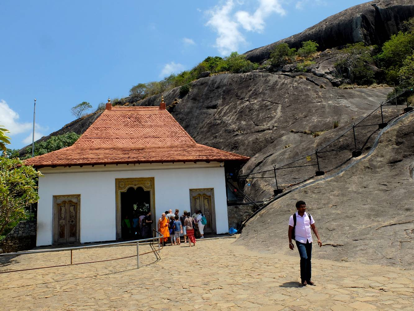 dambulla golden rock temple