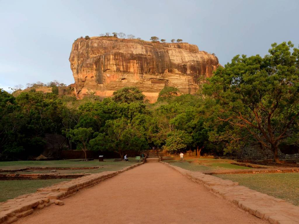 sigiriya lion rock