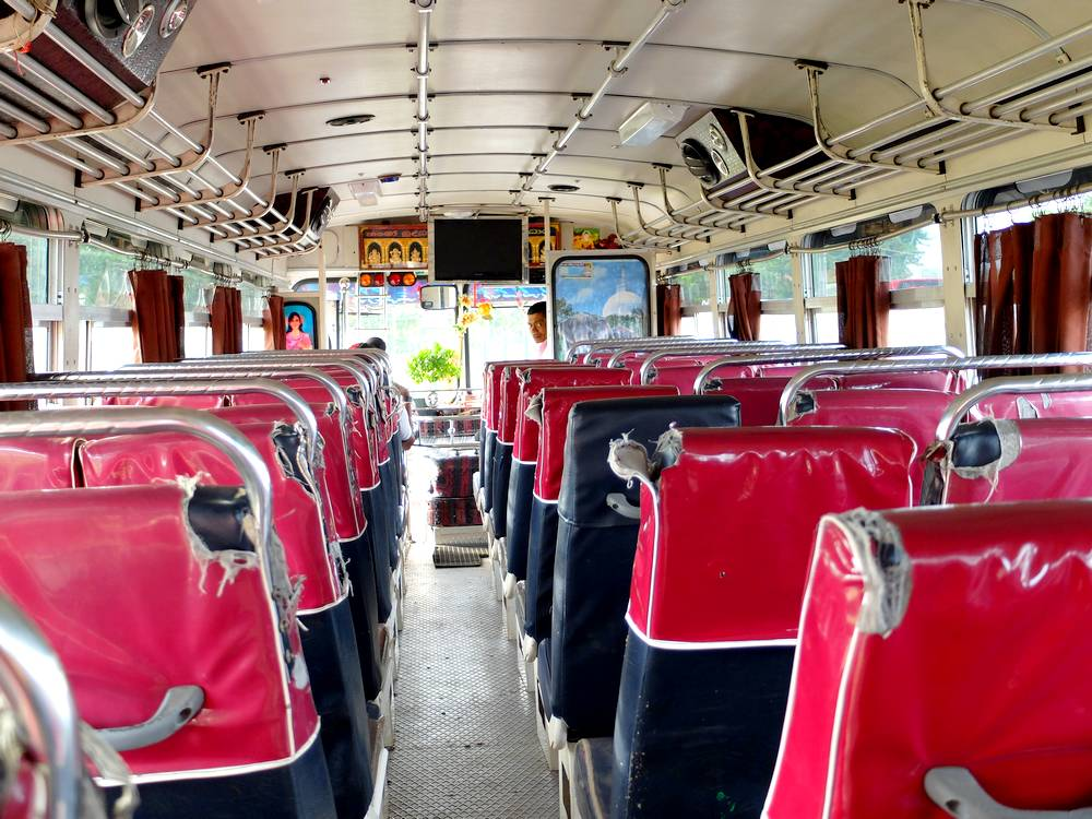 sri lanka public bus