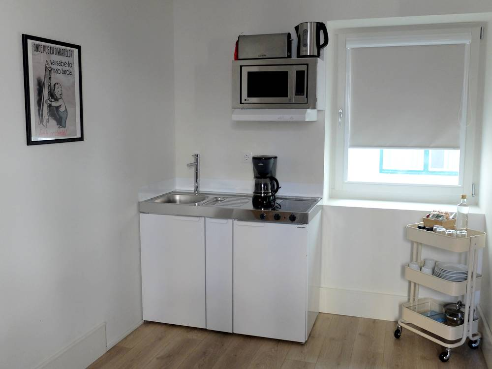 lisbon serviced apartments kitchen