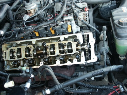 small resolution of 1998 lincoln town car engine diagram ford crown victoria passenger side valve cover replacement of 1998