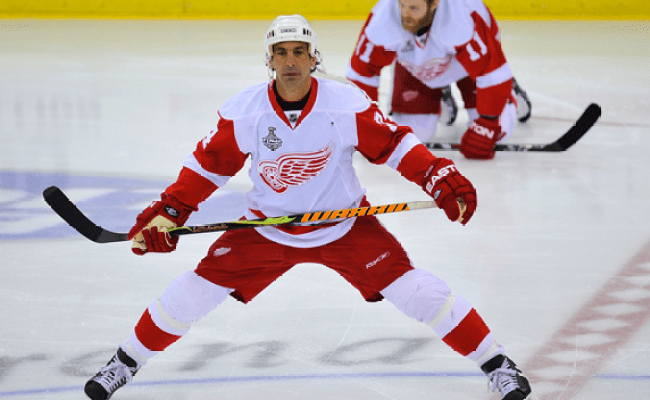 Chelios Leaving Red Wings To Return To Chicago Cbs Detroit