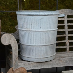 galvanized-bin-with-soap-tray