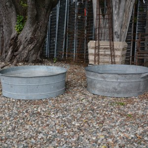 low-galvanized-tubs-with-handles