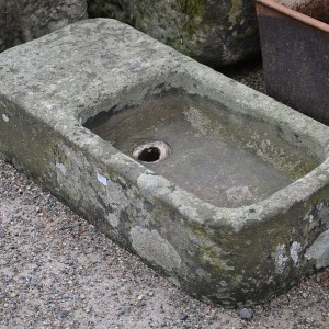 Antique Sinks and Tubs