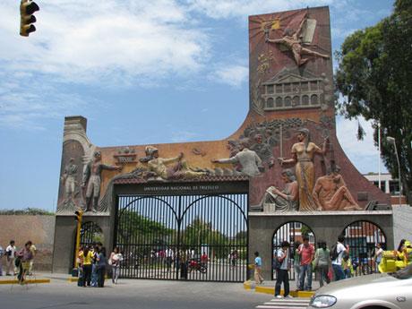 FACHADA-Ciudad-Universitaria-UNT