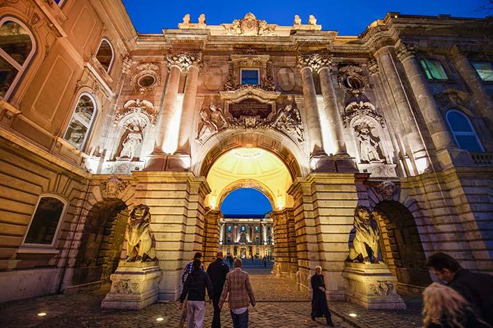 Buda slott på Slottshøyden i Budapest