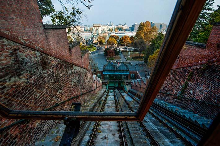 Pest sett fra kabelbanen opp til Slottshøyden i Budapest