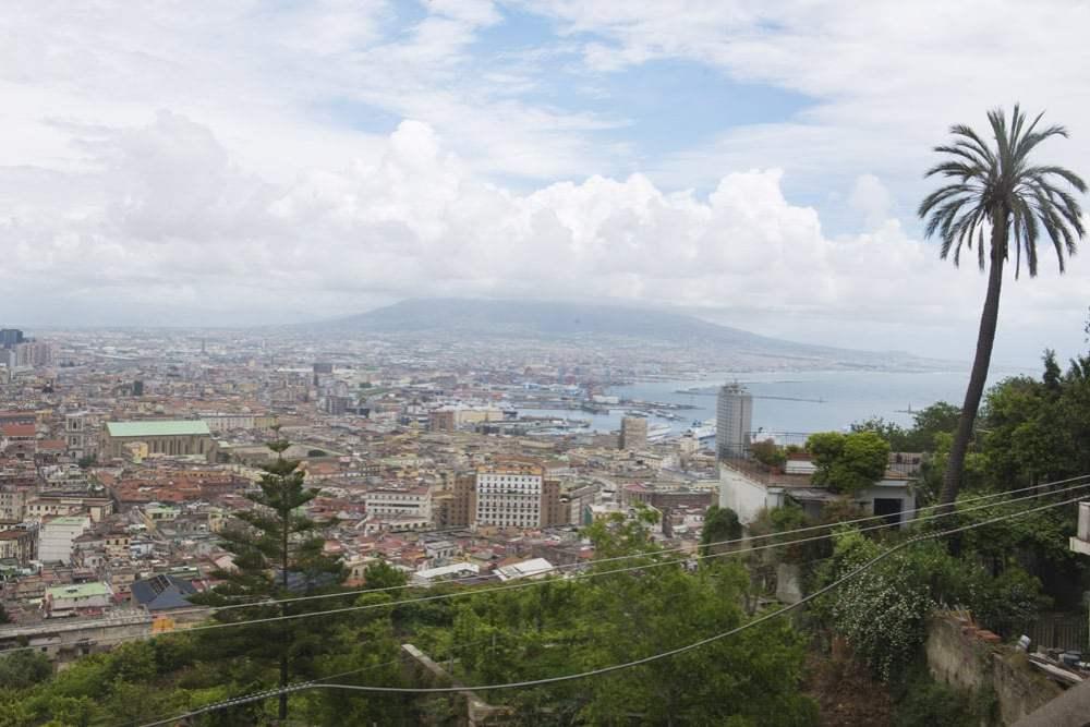 Napoli, Vesuv