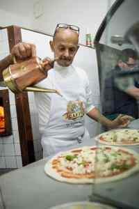 Pizzaiolo, pizza Napoli