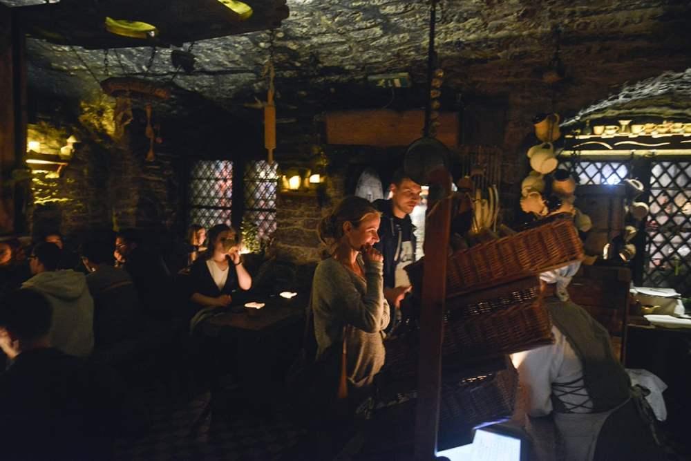 Kolmas Draakon, Tallinn, bar, middelalderbar