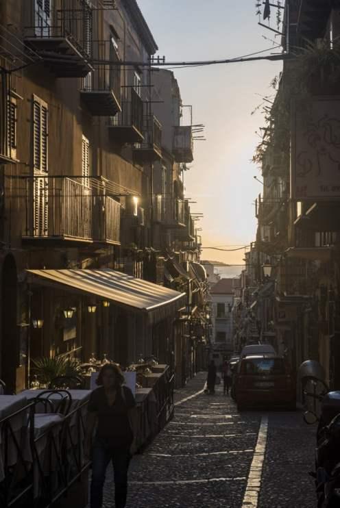 Cefalù, gamleby, smågater, Sicilia