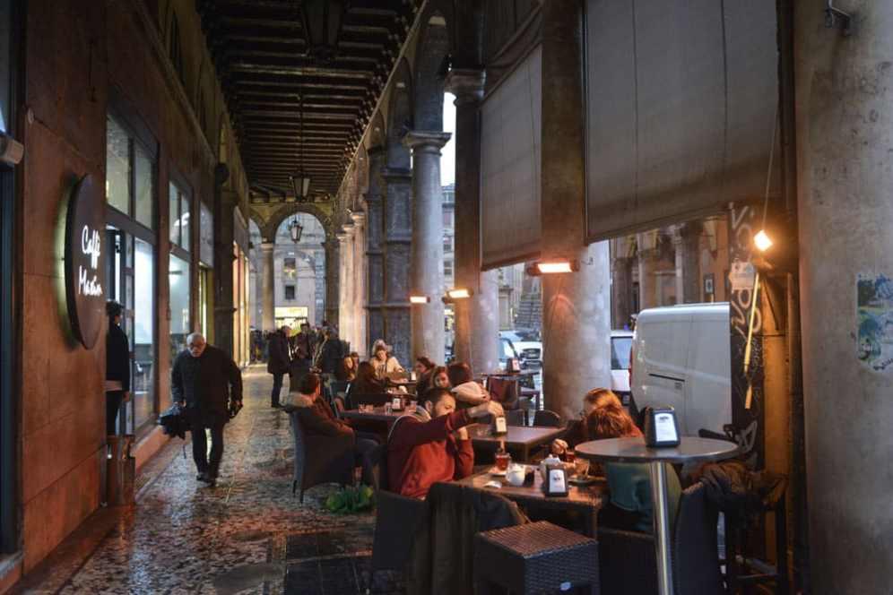 Bologna, restaurant, portico, søylegang