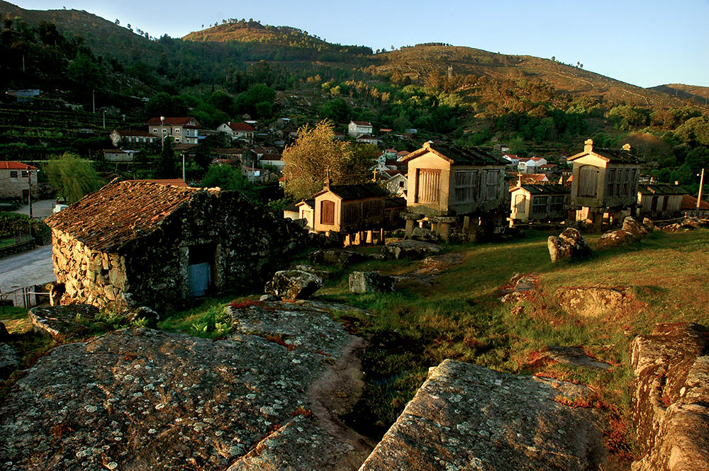 Lindoso landsby, espigueiros