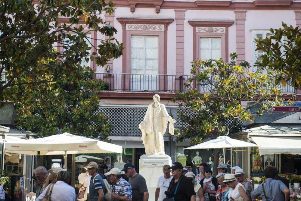 Plaza de Las Flores i Cadiz' gamleby