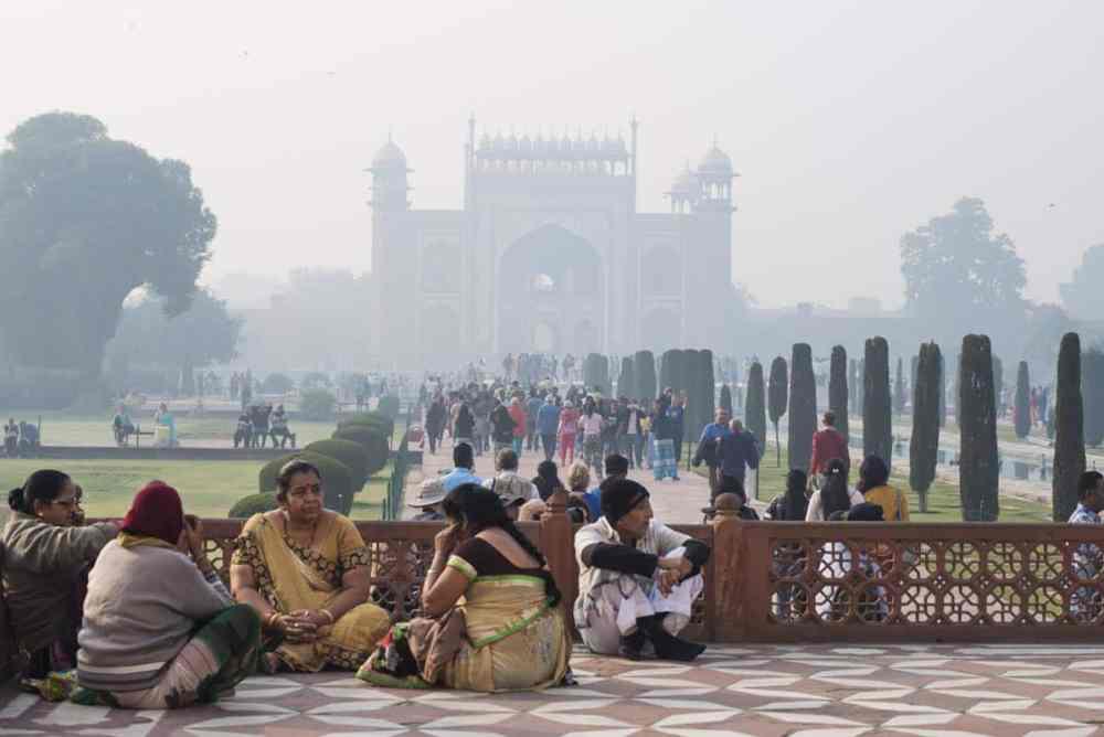 Darwaza i Rauza sett fra Taj Mahal