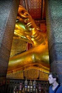 Liggende Buddha i Wat Pho i Bangkok