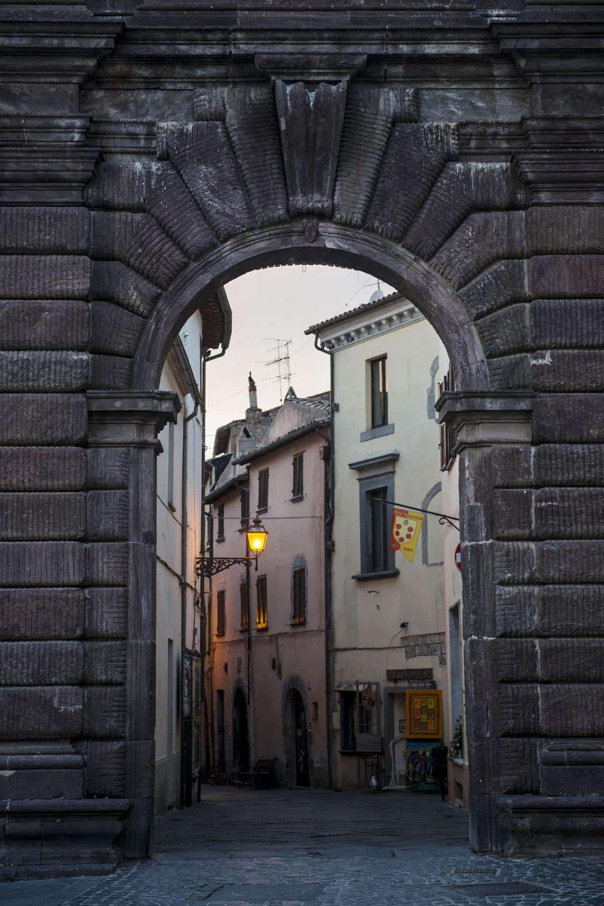 Porta San Francesco i Bolsena i Lazio.