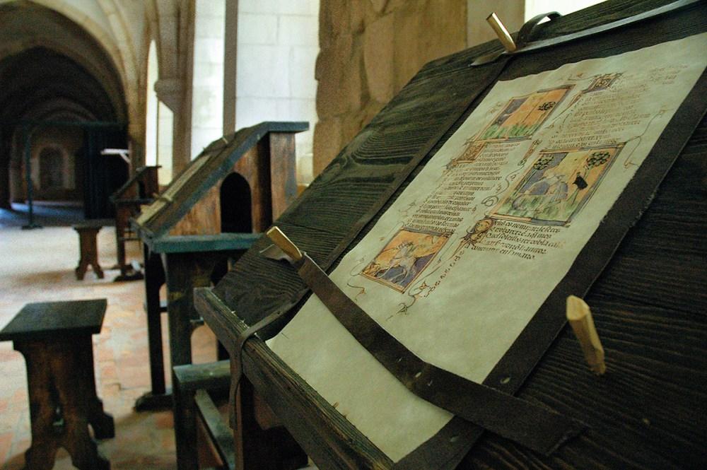 Manuskript i arbeidsrommet i klosteret Alcobaca