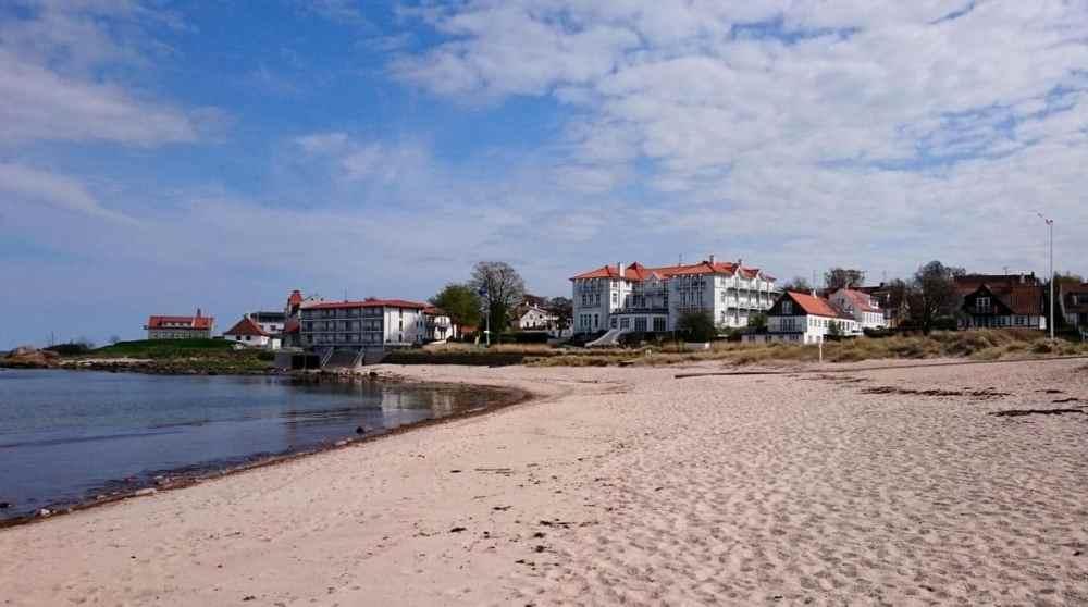 Strand langs nordkysten av Bornholm