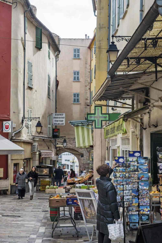 Rue Massillon og Porte Massillon i Hyères