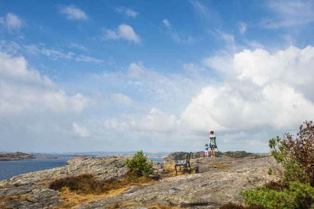 Utsikt utover Søgne-skjærgården fra Kapelløya i Ny-Hellesund n