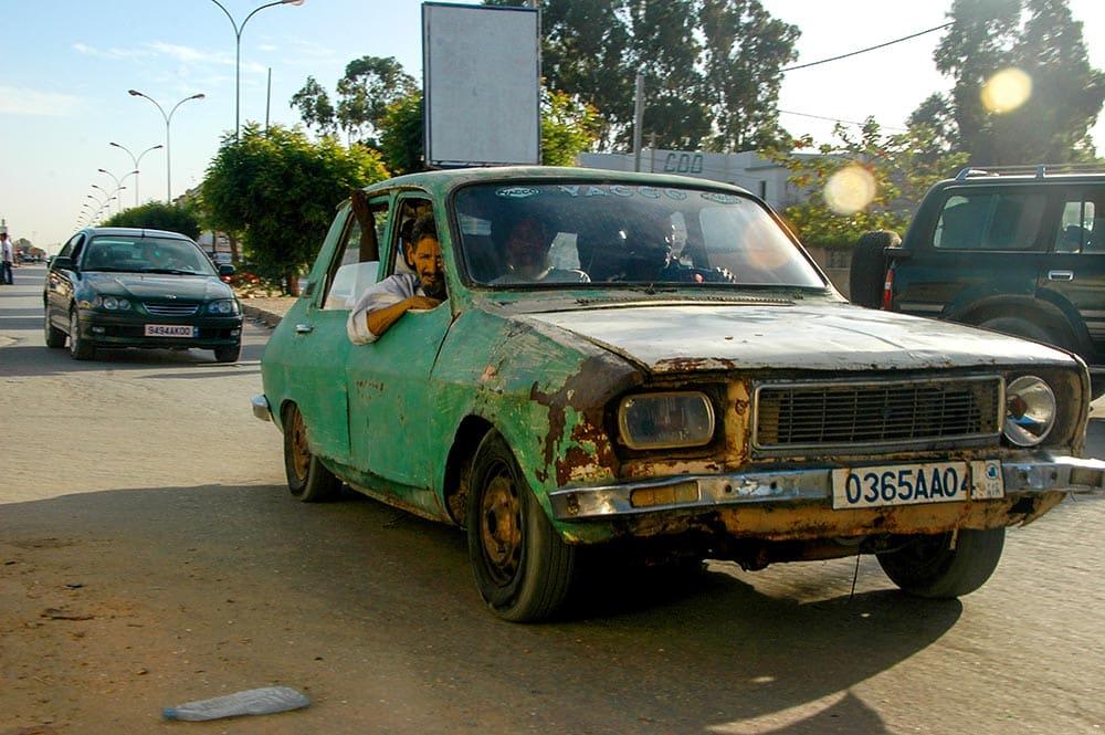 Gammel Renault i Afrika