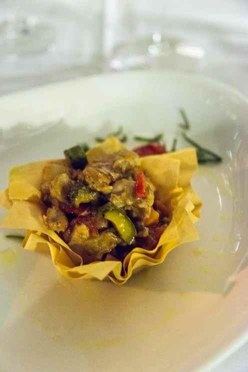 lun kaninsalat på L'Osteria del Vignaiolo i Barolo