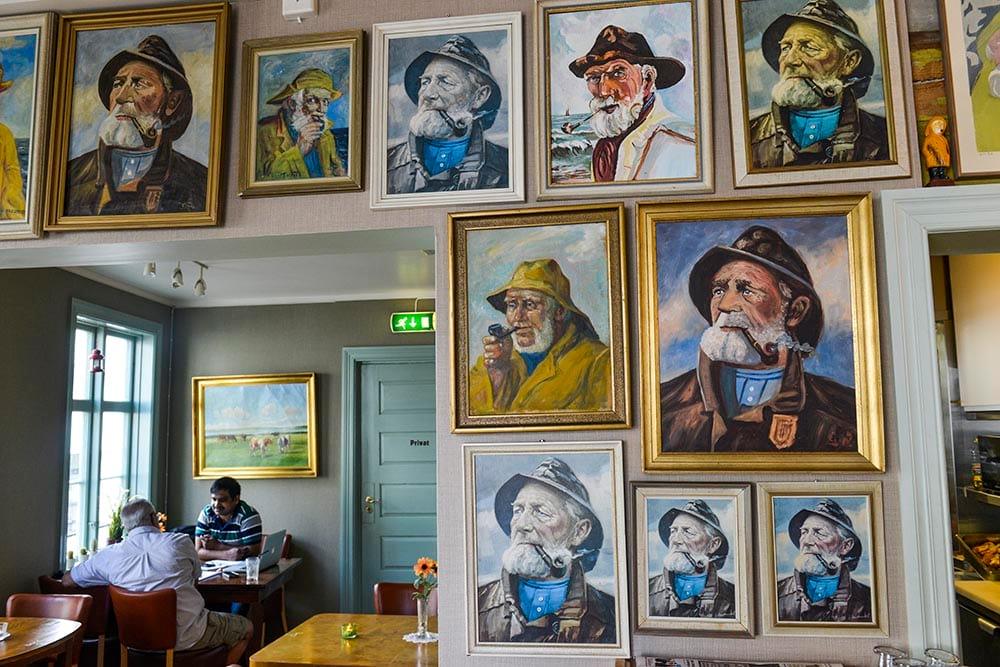 Malerier i Apotekergården i Grimstad