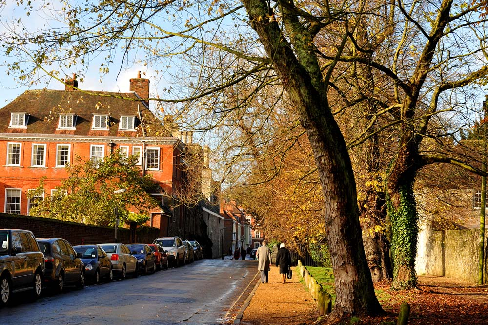 Gate i Winchester om høsten