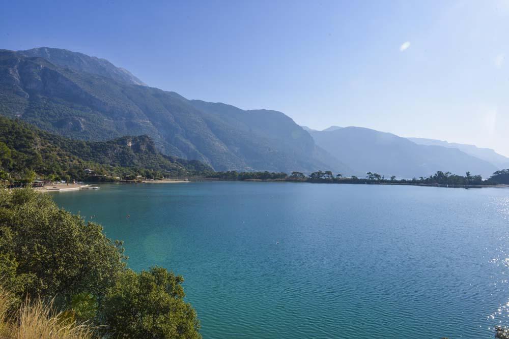 Utsikt over lagunen i Ölüdeniz.