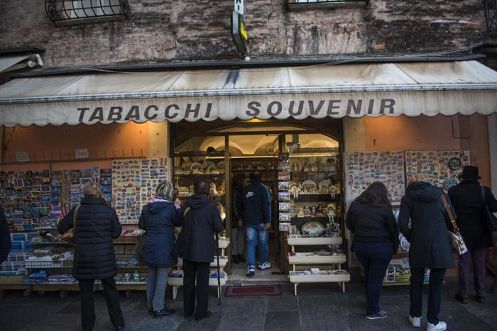 Suvenirbutikk i Italia