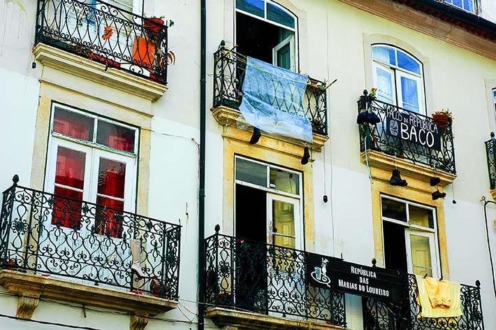 Dagligliv i gamlebyen i Coimbra