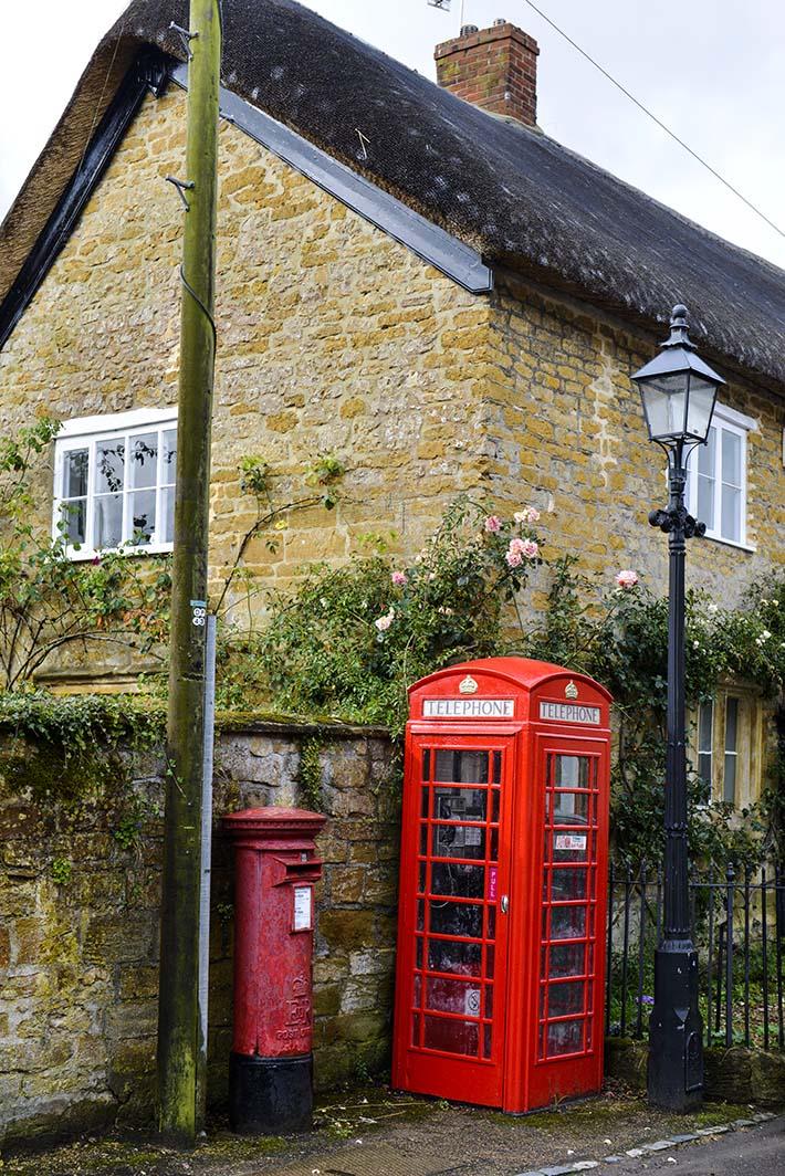 Telefonkiosk i en landsby i Somerset