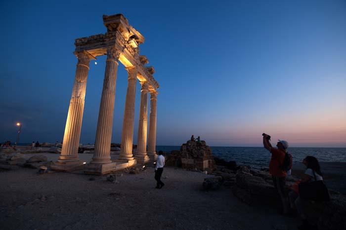 Apollon-tempelet i badebyen Side