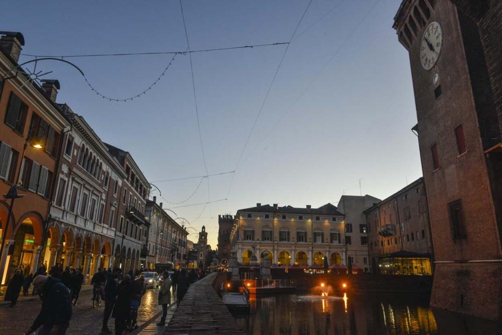 Kveldsmørke i Ferrara