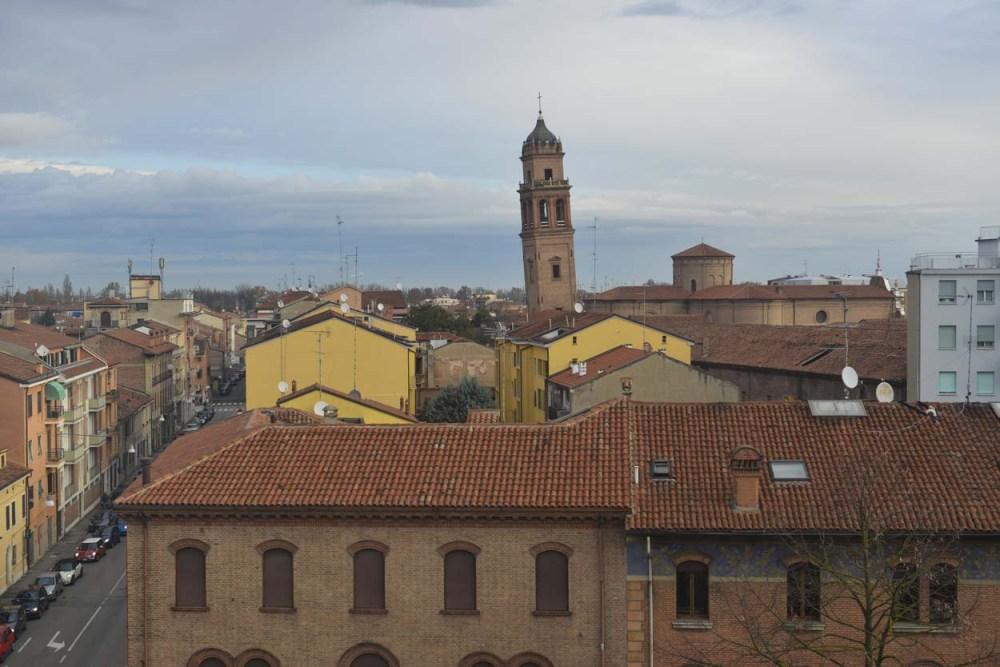 Det skjeve tårnet på San Benedetto-kirken