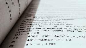 Veçimi i një shkronje në një formulë
