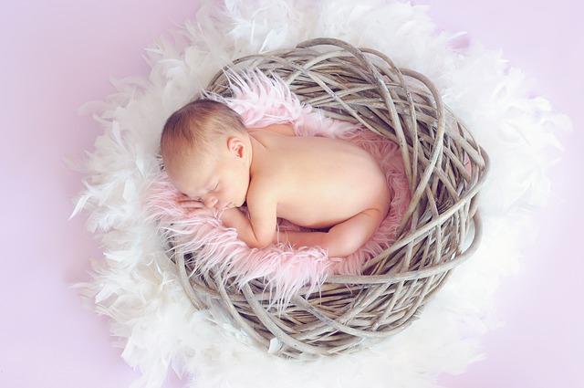 Mãe Canguru é vantagem para depois que o bebê acorda