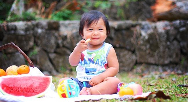 Bebê guloso vai poder se alimentar cada vez melhor